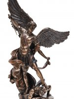 Archangel Michael stepping on Demon (small)